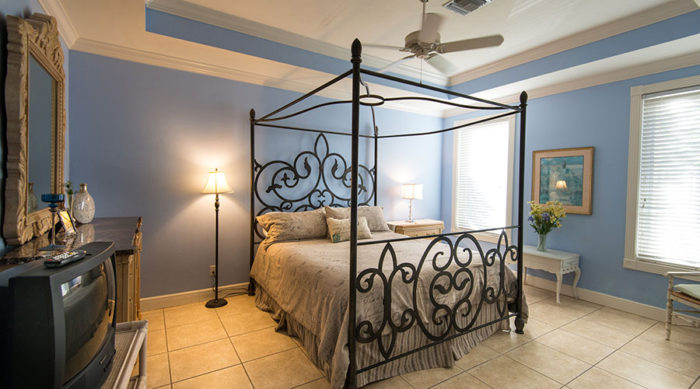 Captiva Island Hotel - Brynna's Room second floor celebration house