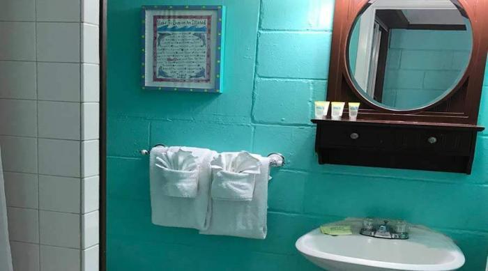 Captiva Island Cottage - Daisy Cottage - Bathroom Interior