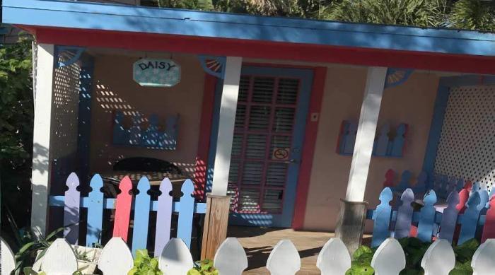 Captiva Island Cottage - Daisy - Exterior 900 x 500