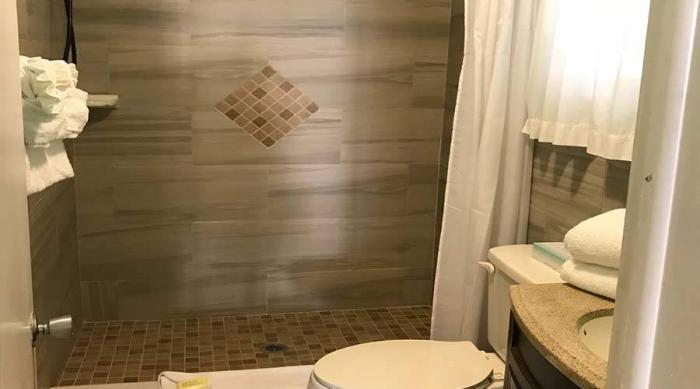 Captiva Island Cottage - Gardenia Cottage - Bathroom - 900 x 600