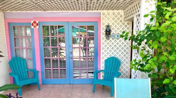 Captiva Island Suites - Gardenia 2-Bedroom- Exterior Entrance