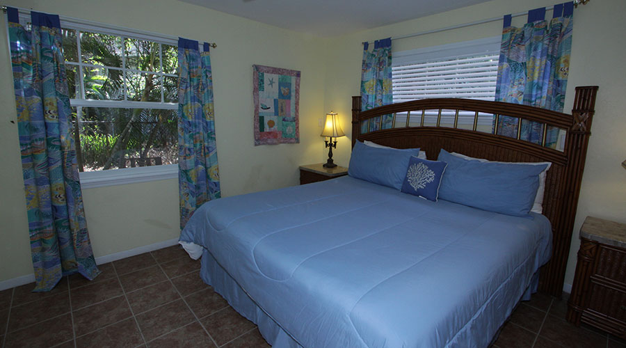 Hibiscus Cottage Bedroom 1
