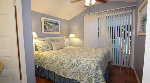 Jasmine Cottage Queen Bed