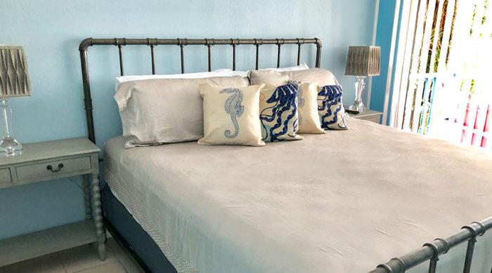 Lantana-Suite-king-bedroom