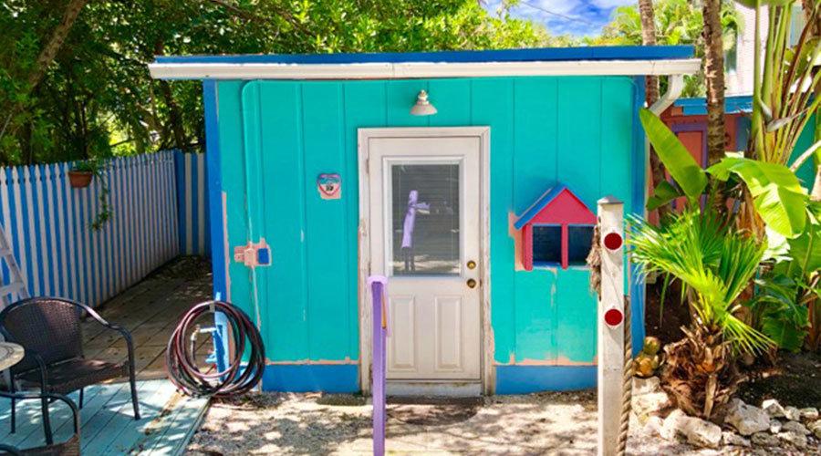 Love-Shack-Cottage-Outside-2
