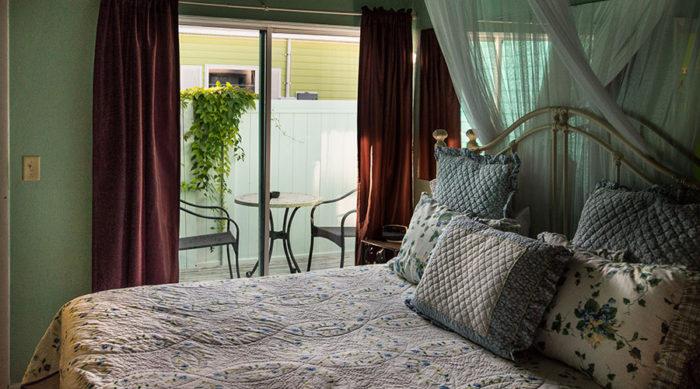 Periwinkle Loft Queen Private Deck