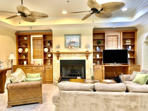 image-Captiva-Island-3-Bedroom-Villa-Den-Facing-TV